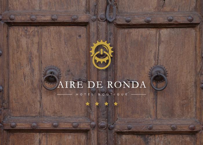 diseño logo puerta antigua