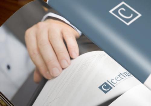Diseño de dossier para despacho de abogados