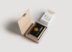 Diseño de tarjetas de visita para tienda de artículos de colección