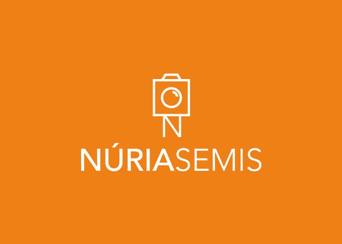 Diseño de logotipo para fotógrafa