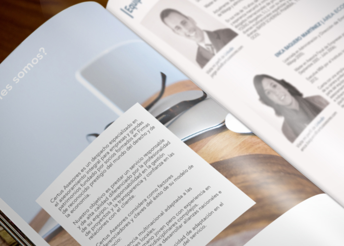 Diseño de dossier para despacho de abogados situado en el centro de Málaga