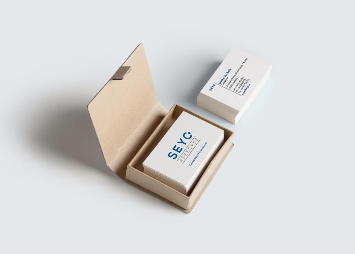 Diseño de tarjetas para asesoría fiscal, laboral y contable